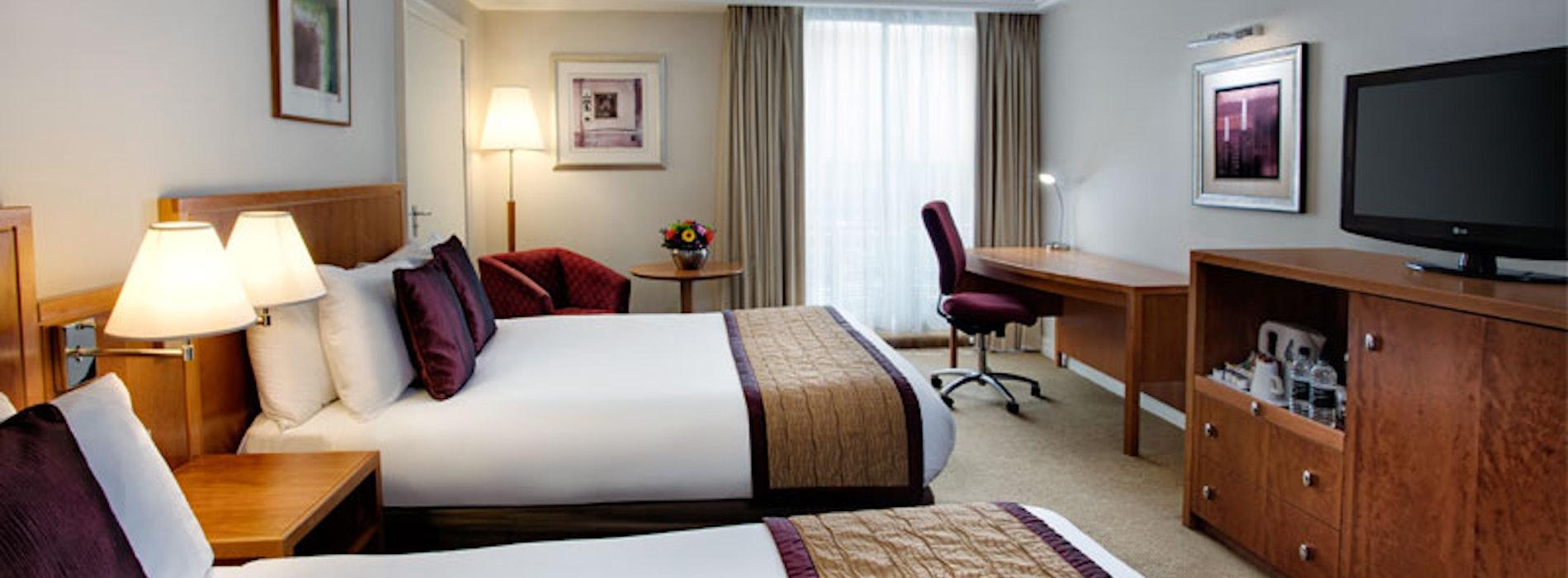 Crowne Plaza Heathrow Hotel near LEGOLAND Windsor Resort