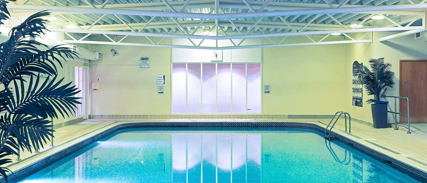 Swimming pool at the Holiday Inn Guildford